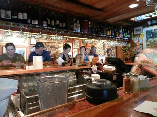 Buzz's Original Steak House: Bar
