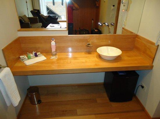 Design Suites Bariloche: Banheiro