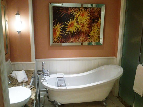 Summerstrand, South Africa: Excellent bathroom.