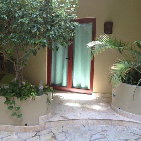 Maya Villa Condo Hotel & Beach Club : entrance to one of the condos