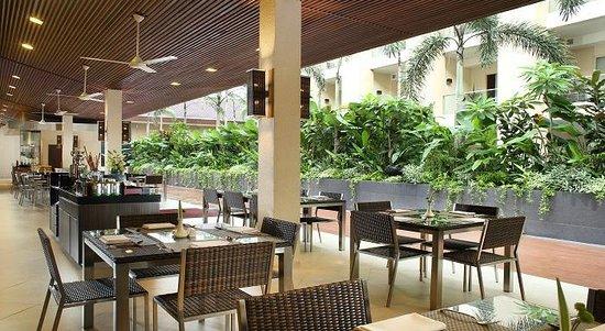Verandah Alfresco at Eastparc Hotel: VERANDAH OUTDOOR
