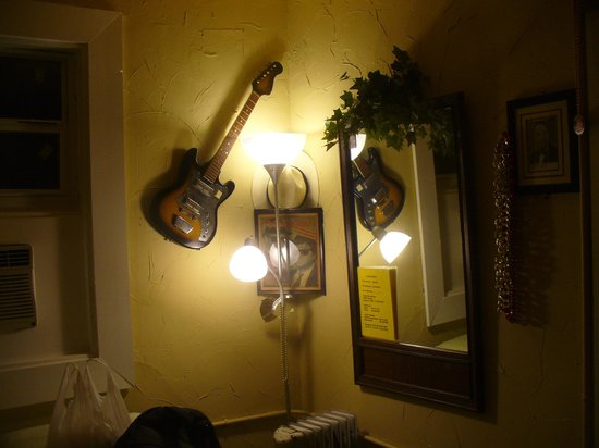 Gram's Place BnB GuestHouses\Hostel and Music : Blues Room Decor