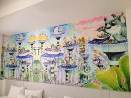 Legend hotel: Wall art