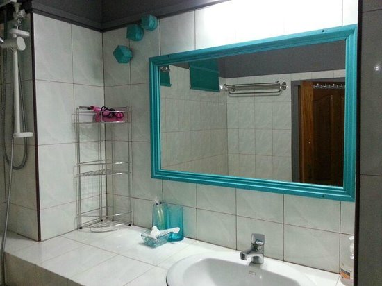 Serenite Guesthouse: Bathroom