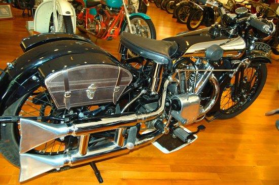 Solvang Vintage Motorcycle Museum : 34 Brough Superior