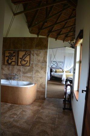 Gondwana Game Reserve: Bathroom Bedroom