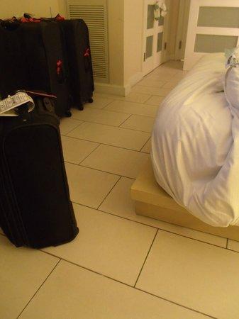 Hilton Fort Lauderdale Marina: Bed Base Corners