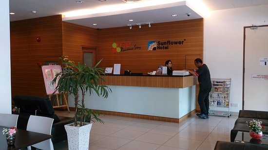 Sunflower Hotel Malacca: reception area