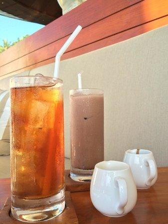Four Seasons Resort Bali at Sayan : Jati bar tea