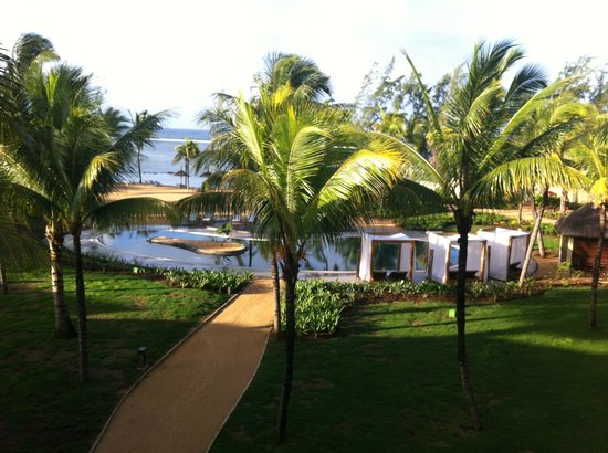 Outrigger Mauritius Beach Resort : The view from the blcony