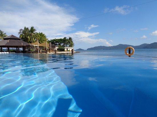 Shangri-La's Tanjung Aru Resort & Spa: The infinity pool