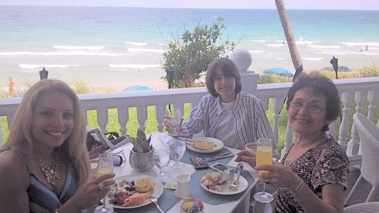 Pelican Grand Beach Resort, A Noble House Resort : Gorgeous setting for Mother's Day brunch