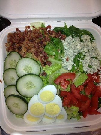 St. Louis City Center Hotel: Very good salad from Hotel Restaurant - The Bistro