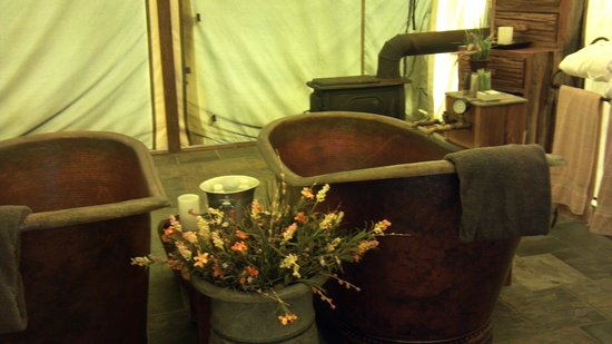C Lazy U Ranch : Copper tubs at the spa