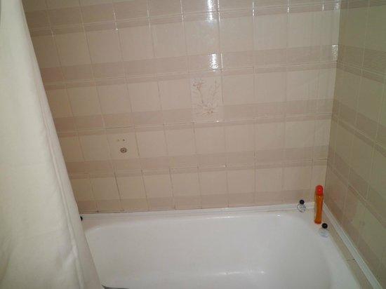 Som Llevant Suites Hotel: bañera