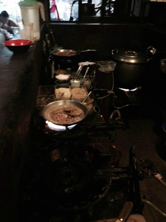 Smoke Restaurant: Picture of the burners in operation