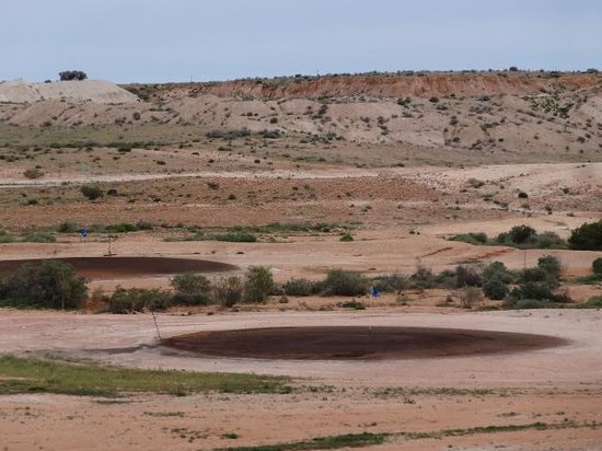‪Coober Pedy Opal Fields Golf Course‬