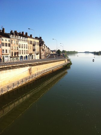 BEST WESTERN Plus Hotel D'Europe Et D'Angleterre : Water front where the hotel is