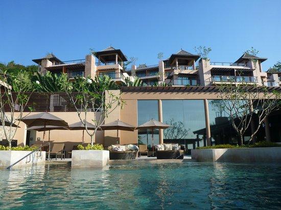 The Westin Siray Bay Resort & Spa Phuket: Pool area