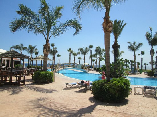 Anmaria Hotel: бассейн на территории