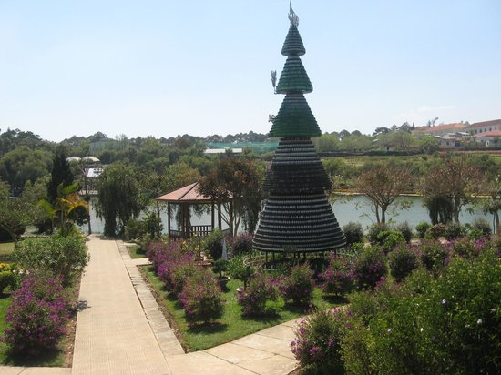 Dalat Flower Park: A view from a higher part of the park