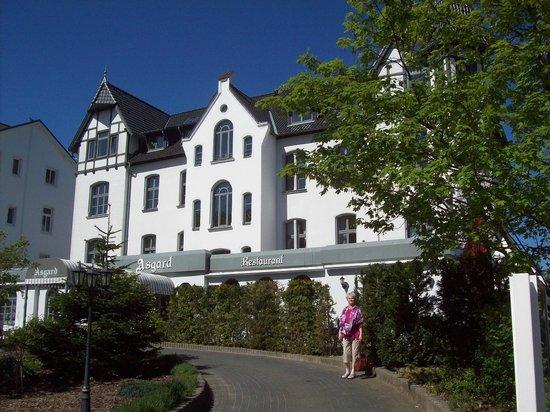 Hotel Asgard: Von der Waldseite gesehen