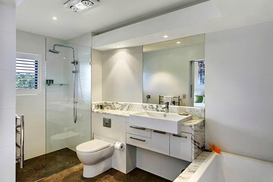 Byron Bay Penthouse Apartments : Bathroom