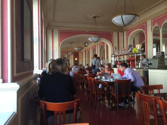 Mid-morning at Cafe Louvre