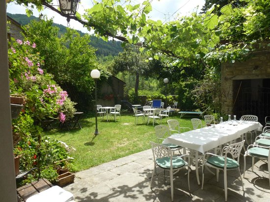 Vecchio Convento: Trädgården där alla luncher intogs