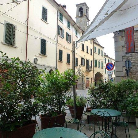 Vecchio Convento: Utsikt från framsidan av hotellet ner i byn