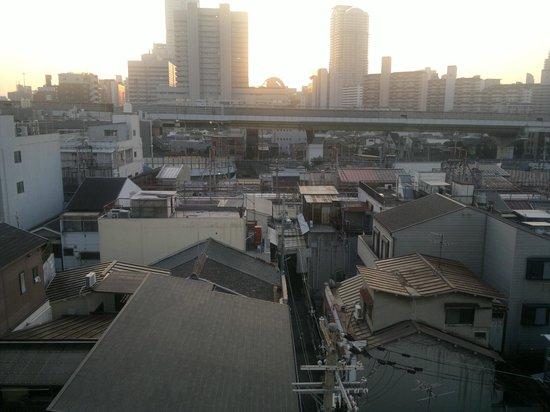 Hotel Chuo Oasis Osaka: Вид из окна в 6-10 утра ))
