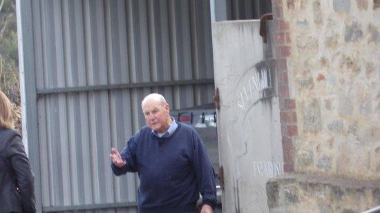 Sevenhill Cellars: Bro John May conducting a tour