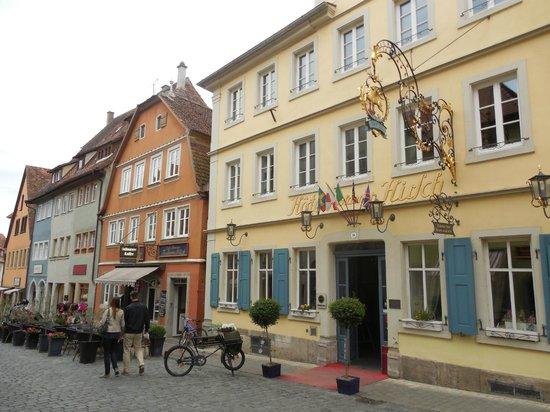 Hotel Goldener Hirsch: Отель Goldener Hirsch .Ротенбург-на-Таубере
