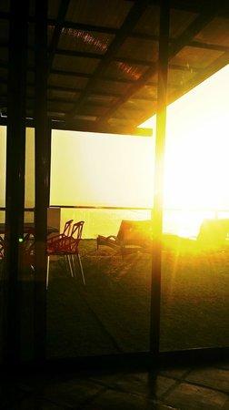 Lalaguna Villas : Sunrise at the balcony