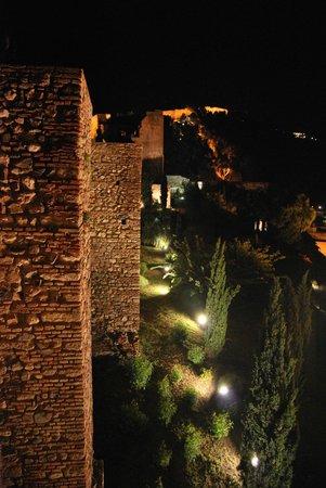 """Alcazaba (fort) : Amurallado externo y """"La Cocacha"""""""