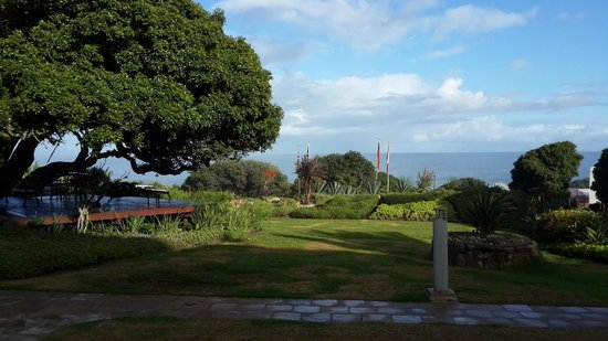 Ocean View House: Gorgeous and tranquil gardens