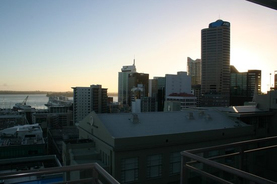 Heritage Auckland: Sunrise over the city