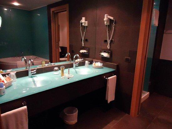 Hotel Santa Tecla Palace: Suite Bathroom