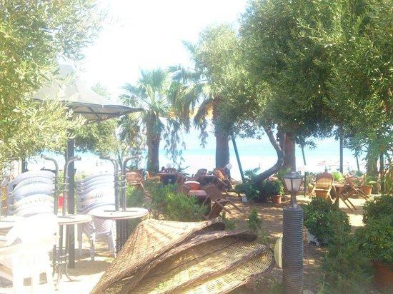 Sahte Cennet Beach Club: plaj girişi