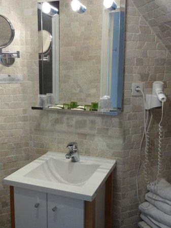 Hotel Beausejour : salle de bains