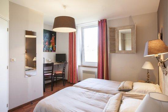 Hotel Beausejour : chambre lits jumeaux coté jardin