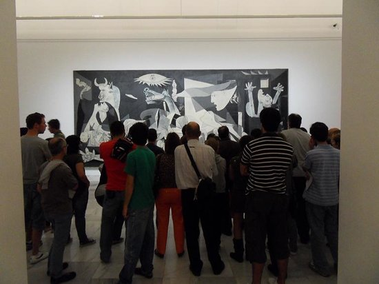 Musée Reina Sofía : Guernica - crowded as usual