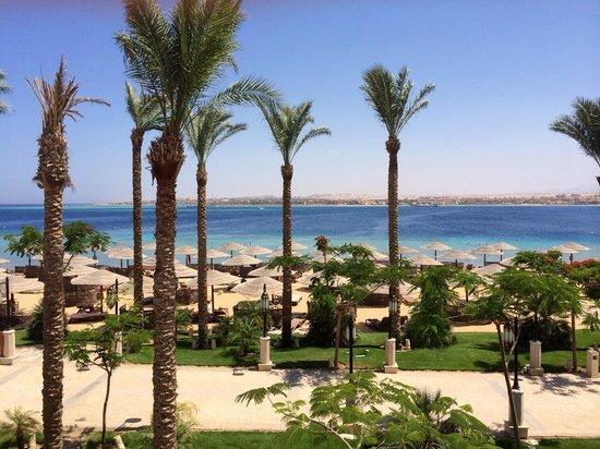 Sunwing Waterworld Makadi Hotel: Beach