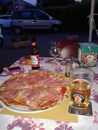 Birreria Pizzeria Blue Marlin : Pizza crudo e porcini