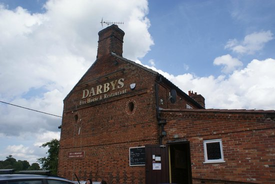 Darbys Freehouse: Attractive old pub