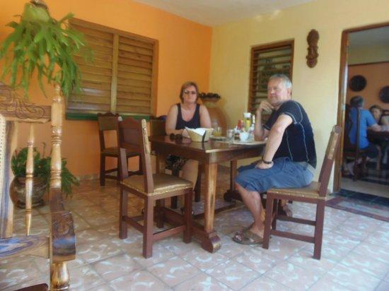 Casa de Mary y Angel: Frühstück