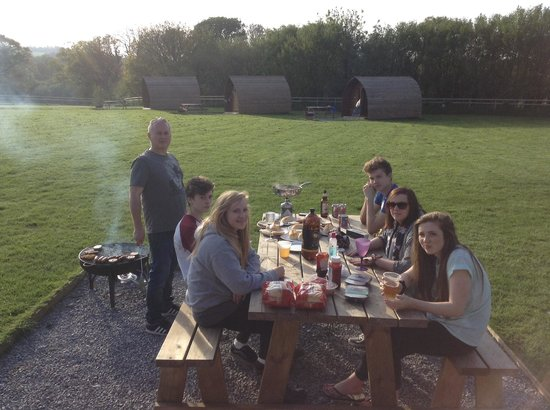 Secret Valley: Family fry up