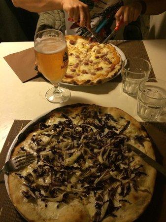"""Foto: """"pizza con crema di zucca e pancetta, pizza con radicchio ..."""