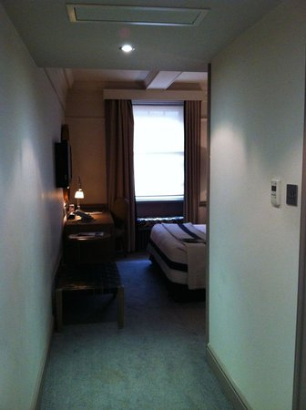 The Bloomsbury: Large room