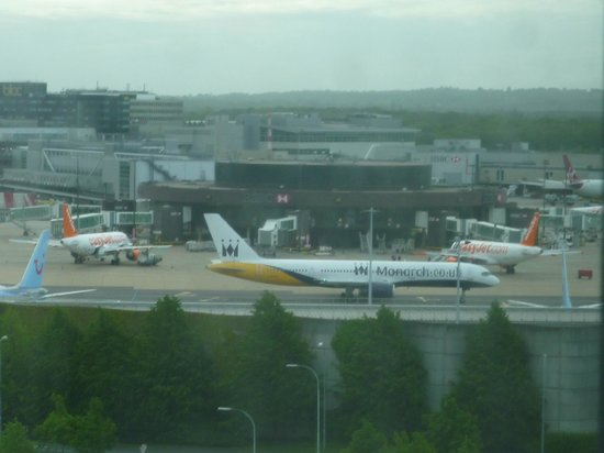 Premier Inn London Gatwick Airport (North Terminal) Hotel: View from the hotel